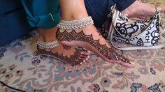 Bridal Henna for feet - 52 Henna Designs Feet, Stylish Mehndi Designs, Wedding Mehndi Designs, Mehndi Art Designs, Wedding Henna, Henna Tattoo Designs, Silver Anklets Designs, Anklet Designs, Mehendi