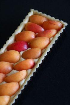 Tarte Abricots et Crème d'Amandes – Casserole & Chocolat  #casseroleetchocolat #tart #tartrecipes #tarte #abricot #apricot #frenchfood #recette #recettefacile #recipe #recipes #recipeoftheday #easyrecipe #summerfood #dessert #dessertrecipes #dessertfoodrecipes #gouter #gateau