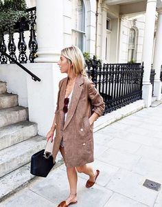 SHEISREBEL.COM - Street Style #sheisrebel #womensfashion #onlineshopping #stylish #streetstyle #summerlook #girlboss