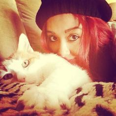 snooki and her kitty !