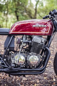 Vintage Honda Motorcycles, Cool Motorcycles, Cafe Racer Honda, Cafe Racer Bikes, Classic European Cars, Classic Bikes, Honda Nighthawk, Vespa, Honda 750
