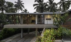 Lightness of Being / Thought Parallels Indoor Courtyard, Courtyard House, Residential Architecture, Modern Architecture, Tropical Architecture, Architecture Details, Exposed Concrete, Properties Of Materials, Site Plans