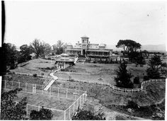 """House and grounds, Belmont Park, North Richmond, [between Home of Archibald Bell soldier and Magistrate. His son Archibald Bell Jr is remembered for his discovery of a new route across the Blue Mountains, now known as """"Bells Line of Road"""" Australian Road Trip, Victorian Photos, Historical Images, The Old Days, Blue Mountain, Sydney Australia, Historic Homes, Old Photos, Paris Skyline"""