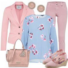 Frühlings-Outfits: chaja bei FrauenOutfits.de #fashionista #fashion #damenmode #frauenmode #frühling #modetrend2018 #frauenoutfit #damenoutfit #outfitkombination #inspiration