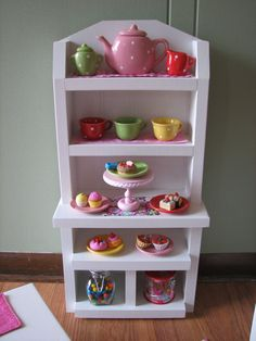 Etsy item shout-out for Madi Grace Designs! They offer a lot of cute modern furniture, including this Baker's Rack and a Display Stand.