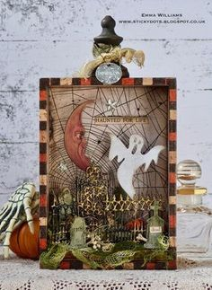 I'm so excited to share this GORGEOUS decor piece special guest … Halloween Prints, Halloween Cards, Fall Halloween, Happy Halloween, Halloween Decorations, Halloween Scrapbook, Tim Holtz, Cath Kidston, Easy Primitive Crafts
