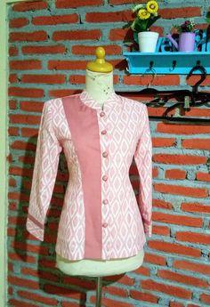 Batik alifia Stylish Dress Designs, Designs For Dresses, Stylish Dresses, Simple Dresses, Batik Blazer, Blouse Batik, Batik Dress, Batik Kebaya, Kebaya Dress