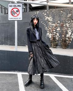 New Fashion, Girl Fashion, Fashion Outfits, Fashion Design, Aesthetic Fashion, Aesthetic Clothes, Aesthetic Style, Rocker Chic Outfit, Alternative Outfits