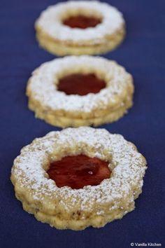 (no) plain Vanilla Kitchen: Weihnachtsbäckerei 2014 zum Ersten: Spitzbuben für die Kollegen