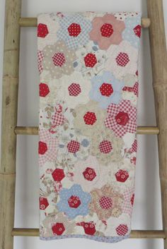 Hexagon Quilt, paper pieced and hand quilted baby quilt, lap quilt, heirloom quilt, grandmothers flower garden pattern