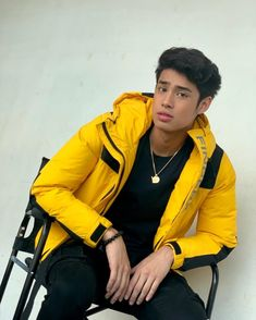 Donny Pangilinan Wallpaper, Grunge Boy, My Future Boyfriend, Boys Wallpaper, Asian Men, My Sunshine, It Cast, Celebs, Guys