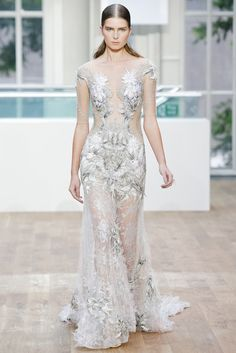 Julien Macdonald | Spring 2015 Ready-to-Wear | 31 White/silver embroidered short sleeve maxi dress
