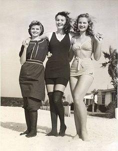 mixture of vintage swimwear Retro Mode, Vintage Mode, Vintage Ladies, Vintage Bathing Suits, Vintage Swimsuits, Bikini Vintage, Style Surfer, Retro Fashion, Vintage Fashion