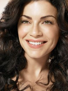 Julianna Margulies (The Good Wife), 2014 Primetime Emmy Nominee for Outstanding Lead Actress in a Drama Series