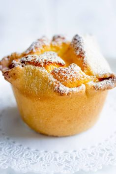 Soffioni Abruzzesi are cute little Italian cupcakes or muffins filled with fluffy Ricotta cream. They are easy to make and are a wonderful addition to any occasion. Soffioni Abruzzesi Adults love them Italian Cookie Recipes, Italian Desserts, Köstliche Desserts, Baking Recipes, Delicious Desserts, Italian Cupcakes, Dessert Recipes, Vegetarian Desserts, Italian Meals