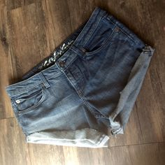 Juicy Couture cut off denim shorts Stretchy denim shorts from Juicy Couture in size 31 waist. Only worn a few times after being purchased Juicy Couture Shorts Jean Shorts