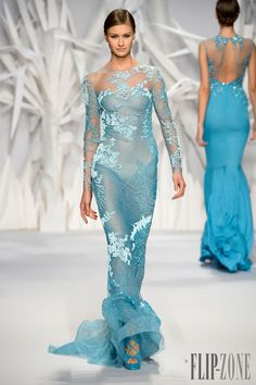 Abed Mahfouz Fall Winter 2014 Haute Couture This is a beautiful dress (very similar to Elsa's from Frozen) and it would look even better if it were lined so that her breasts and underwear didn't show. Why would anyone want to wear a dress like this? Abed Mahfouz, Fashion Vestidos, Dress Vestidos, Beautiful Gowns, Beautiful Outfits, Gorgeous Dress, Couture Fashion, Runway Fashion, Net Fashion