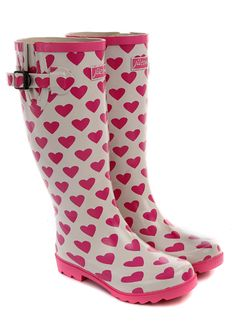 In love with these adorable pink and white heart rainboots! :: Heart Rainboots:: Muddy Buddies:: Valentines Day