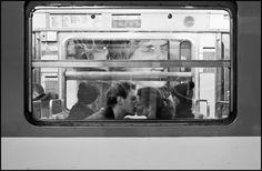 photo: My Little Paris Couple Photography, Street Photography, Digital Photography, Art Photography, Black And White Couples, Little Paris, Paris Images, Modern Romance, Subway Art