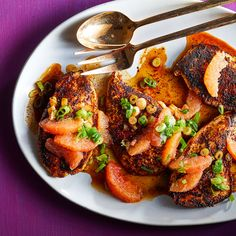 Ancho-Spiced Chicken Skillet with Grapefruit Salsa Entree Recipes, Diet Recipes, Cooking Recipes, Healthy Recipes, Diet Meals, Skinny Recipes, Recipies, Chicken Skillet Recipes, Turkey Recipes