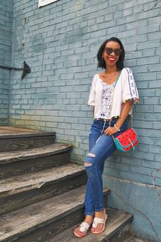Looking for a new summer handbag? Kentucky style blogger, What Nicole Wore, shares off a cute watermelon bag.