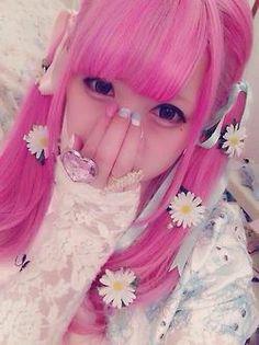 japanesefashionlovers: she's so cute