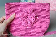 Prinsessajuttu: Toivepostaus: Virkattu kosmetiikkapussi, OHJE Princess Stories, Diy Bags Purses, Small Case, Crochet Purses, Crochet Bags, Pouch, Wallet, Simple Bags, Purse Patterns
