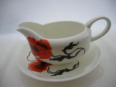 Wedgwood Bone China - Susie Cooper Cornpoppy Sauce Boat and Plate - pinned by pin4etsy.com