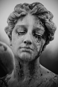 this can be an idea to make statues that are coloured perhaps. green coloured statue for a-level art? Cemetery Statues, Cemetery Art, Cemetery Angels, Foto Online, Bild Tattoos, Foto Art, Photomontage, Picture Wall, Shades Of Green