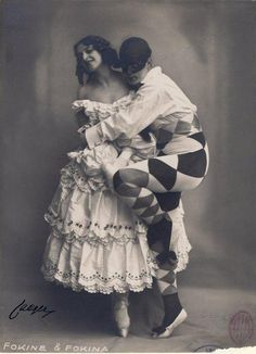 Photo by Atelier Jaeger (Stockholm), 1914, Michel Fokine (Arlequin) & Vera Fokina Colombine, Carnaval: ballet-pantomime.