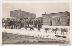 RP: Main Street , Mapleleaf Hotel & Dog Team , PORCUPINE , Ontario , Canada , 00-10s Gold Boom Town