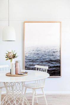 Get inspired by these dining room decor ideas! From dining room furniture ideas, dining room lighting inspirations and the best dining room decor inspirations, you'll find everything here! Room Interior, Interior Design, Dining Room Design, Dining Rooms, Dining Room Inspiration, Dining Room Lighting, Kitchen Lighting, Room Lights, Living Room Decor