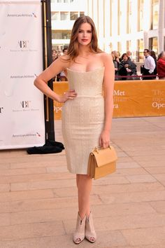 Robyn Lawley Stuns At The American Ballet Theatre Gala  (photos via Getty)
