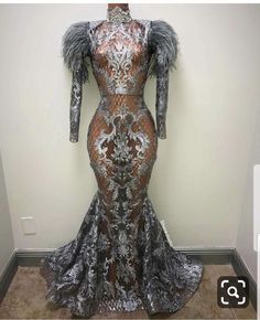 Make appearance with this beautiful luxury dress to any occasion. Provide measurements for perfect fitting Custom hand made designs Mermaid Evening Dresses, Evening Gowns, Girls Dresses, Prom Dresses, Formal Dresses, Long Dresses, Elegante Y Chic, Gown Pictures, Prom Outfits