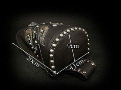 送料無料!バイカースタイルのオリジナルデザイン!。WILD HEARTS /ウエストバッグ/ヒップバッグ/本革/レザー/Men's Genuine leather Waist Pouch Hip Pouch/ Purse/Bag Belt Travel Bag WILD HEARTS Leather&Silver (ID wp1474t46)