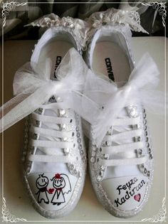 Bride Converse Then Your Wedding Shoes Get More Than One Wear