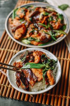 Chicken Eggplant, Cooking Eggplant, Thai Basil Chicken, Eggplant Dishes, Eggplant Recipes, Marinated Chicken, Asian Recipes, Healthy Recipes, Ethnic Recipes