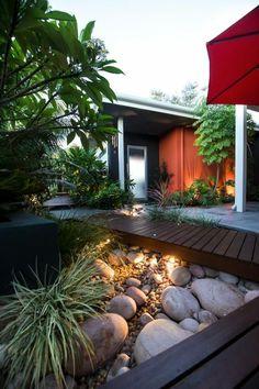 Hinterhof Exotische Sukkulenten Steingarten Led Beleuchtung ... Exotische Pflanzen Terrasse Haus