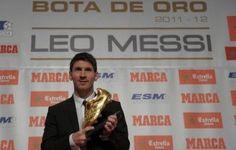 Lionel Messi a annoncé vendredi la naissance de son premier enfant, un garçon prénommé Thiago, son club du FC Barcelone affirmant de son côté que la vedette argentine était prête à jouer en Championnat d'Espagne samedi contre Celta Vigo.