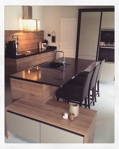 """""""Un peu de chez moi ...  #kitchen #inmyhouse #sweethome #home #monunivers #decoration #instahome #instaday #arthurbonnet #falmec #mobitec"""""""