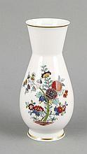 Vase, Meissen, Marke 1972-80, 1. W., polychrome Malerei, Dekor Kakiemon, ziervergoldet, H. 20 cm