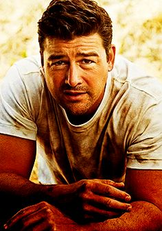 Kyle Chandler (aka Eric Taylor)...it's a little pathetic how much I miss FNL :(