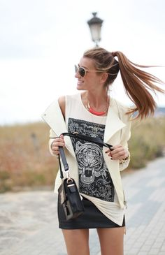 graphic muscle tank | pop of orange | colour | black and white | love this | spring fashion