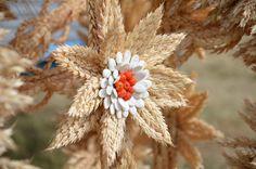 Pumpkin Seed Crafts, Corn Dolly, Diy Gift Baskets, Crochet Basket Pattern, Paper Weaving, Thanksgiving Crafts, Basket Weaving, Dandelion, Wedding Decorations