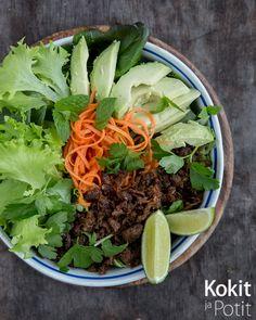 Teriyakilla maustettu nyhtökaurasalaatti | Kokit ja Potit -ruokablogi Soup And Salad, Soups, Salads, Ethnic Recipes, Food, Essen, Soup, Meals, Yemek