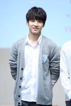 너와 함께라면 so fly   #세븐틴 #원우 #seventeen #wonwoo @pledis_17  http://cfile30.uf.tistory.com/original/255F723F561BAE3F337A00…
