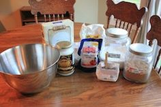 great list of how to make homemade bulk mixes including taco seasoning, cake mix, ranch dressing mix, muffins, pudding and more! Great way to save money!