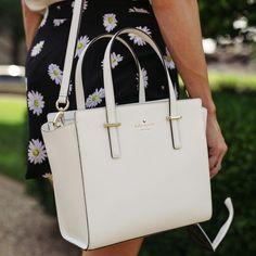 Handbags & Wallets – Kate Spade – How should we combine handbags and wallets? Mk Handbags, Kate Spade Handbags, Handbags Michael Kors, Luxury Handbags, Purses And Handbags, Michael Kors Bag, Designer Handbags, School Handbags, Hand Bags Designer