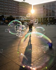 Shadows and Silhouettes: Berlin Street Photography by Joerg Nicht - The Photo Argus Creative Photography, Street Photography, Photography Ideas, Bubble Pictures, Cool Pictures, Berlin Street, Blowing Bubbles, Wonderful Picture, Creative Photos
