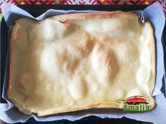 Ruladă aperitiv cu caşcaval, şuncă, măsline şi ardei Romanian Food, Carne, Desserts, Alternative, Salads, Tailgate Desserts, Deserts, Postres, Dessert